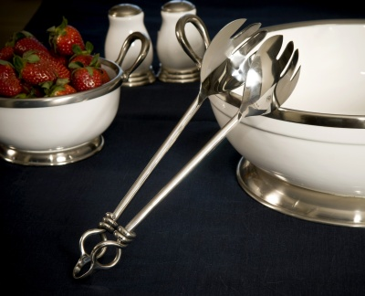 Knot Salad Tongs